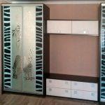 Встроенный шкаф купе с принтом